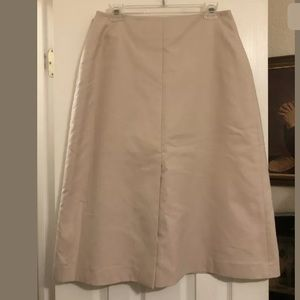 Fabulous Akris nude color skirt size 12
